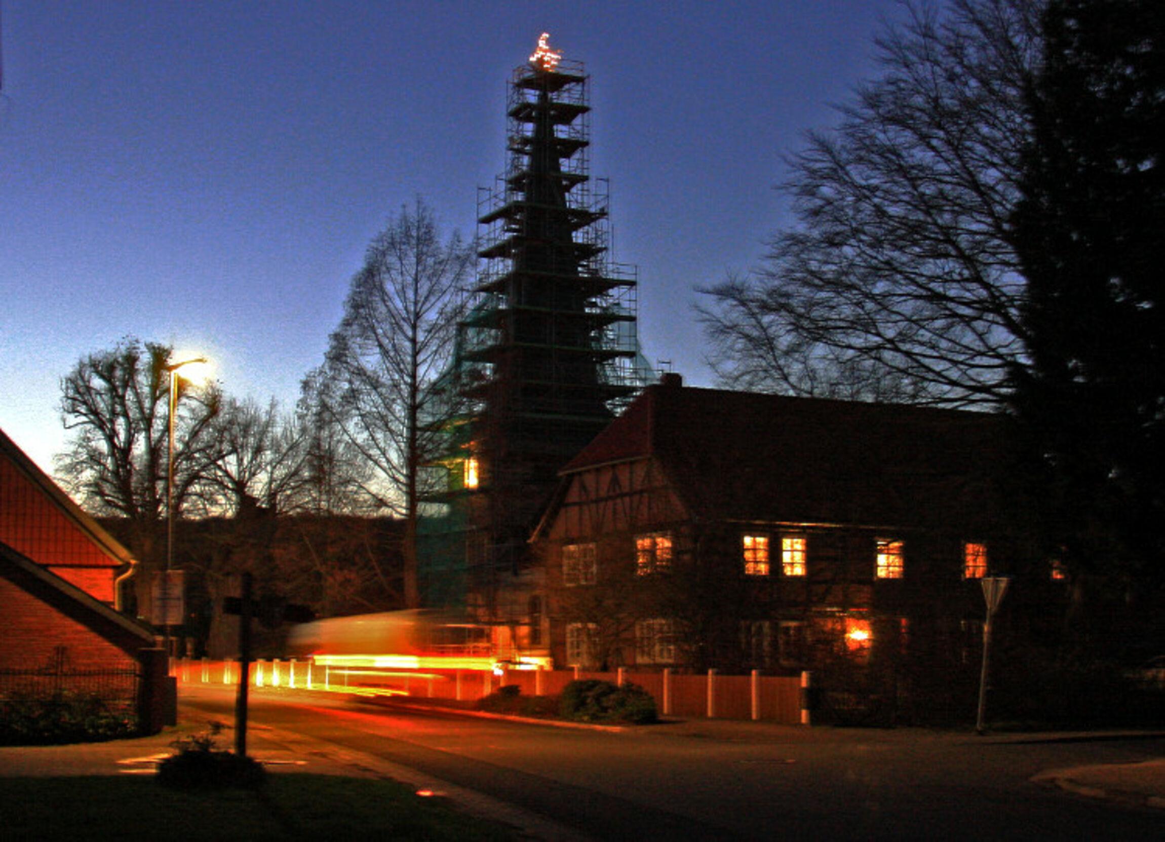 Tannenbaum Diagramm.Kirchenregion Holle Weihnachtsbaum Auf Der Turmspitze